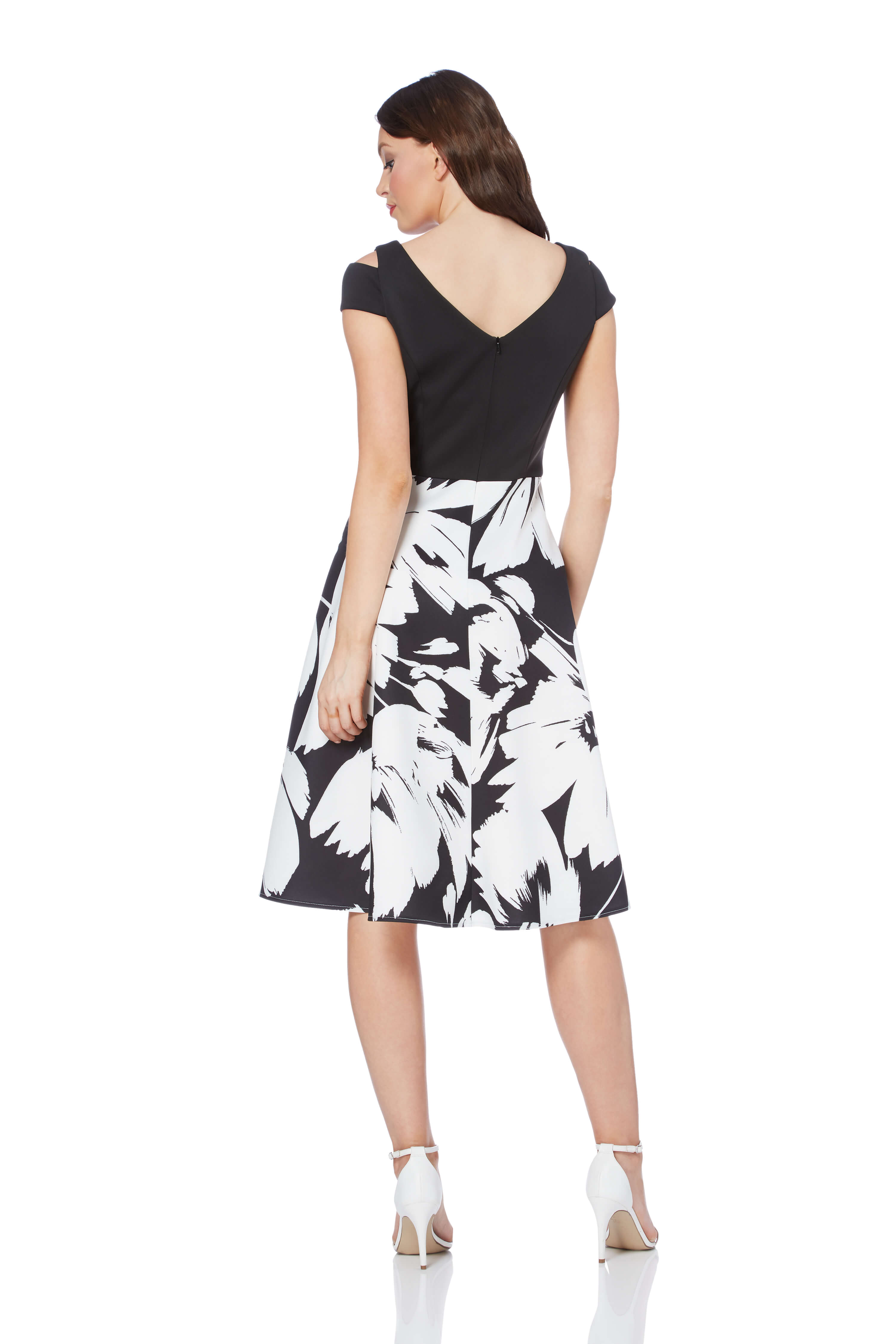 Roman-Originals-Women-039-s-Fit-and-Flare-Floral-Scuba-Dress-Sizes-10-20 thumbnail 7