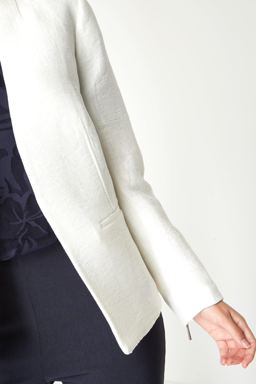 Roman-Originals-Women-039-s-White-Pleat-Tailored-Jacket-Sizes-10-20 thumbnail 16